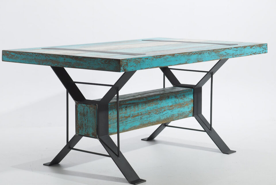 Loftowy stół
