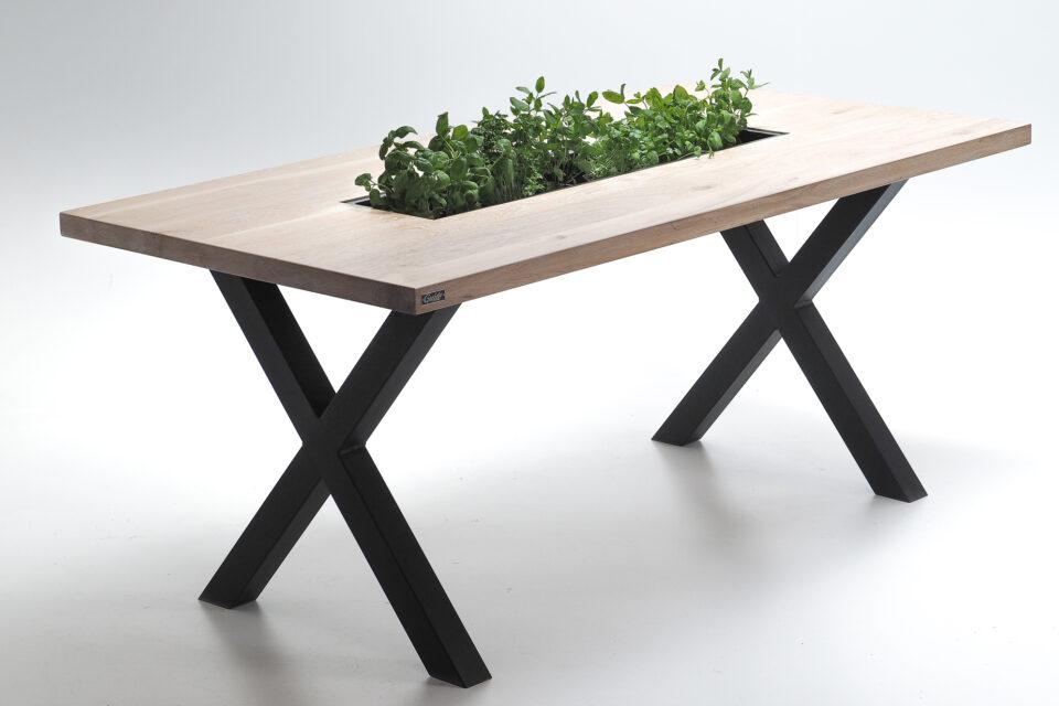 Loftowy stół dębowy z rynną na zioła.