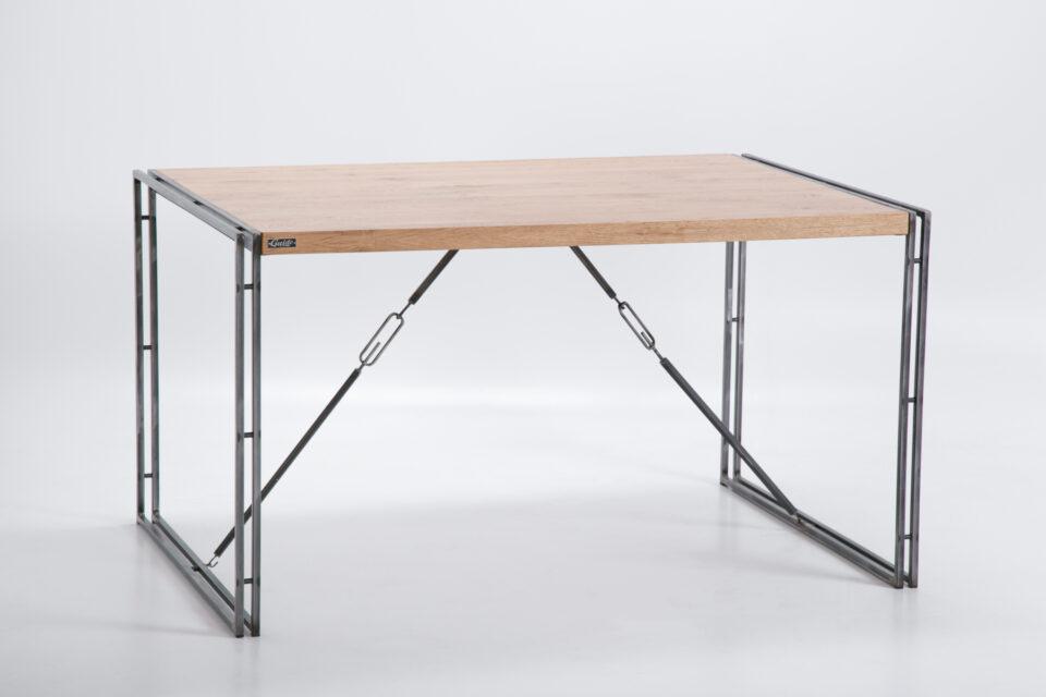 Industrialny stół z dębowym blatem na podwójnych nogach