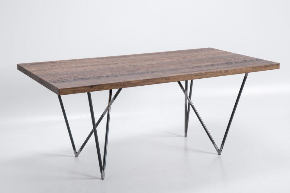 Industrialny stół dębowy na stalowych nogach Guido