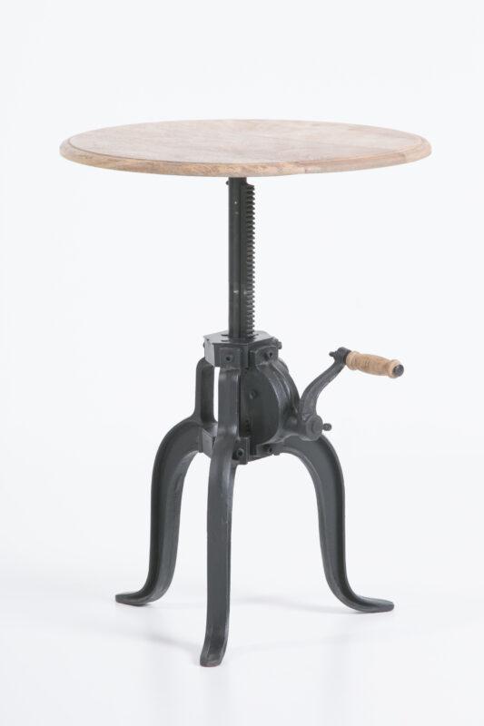 Stolik restauracyjny na żeliwnej nodze z blatem z mango