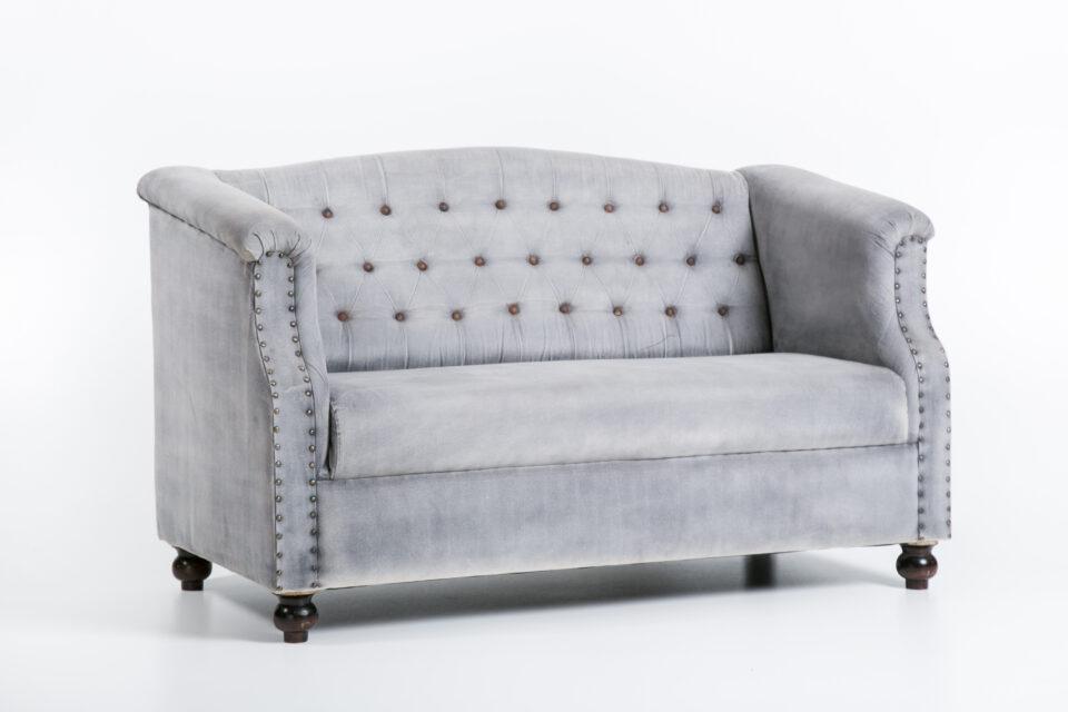 Kolonialna sofa