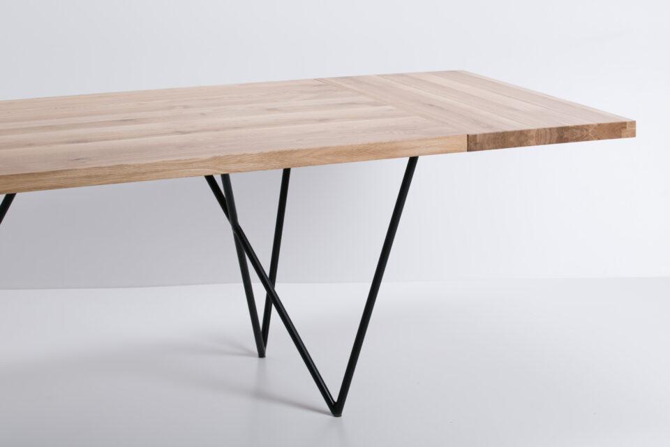Dębowy stół industrialny z dostawką
