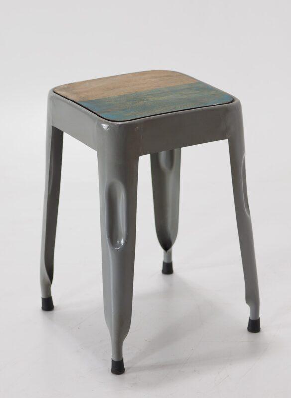 Taboret stalowy z drewnianym siedziskiem